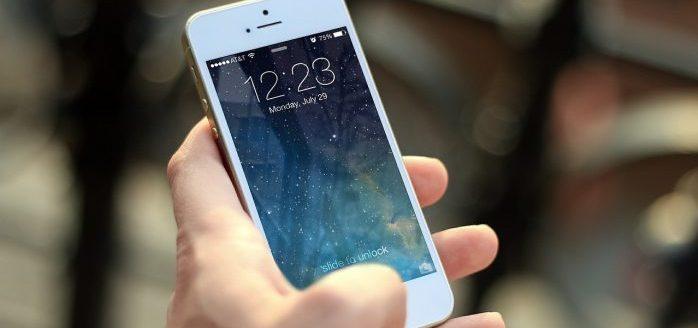 Come lo smartphone può interferire nella relazione genitori – figli: uno studio dell'Università di Milano – Bicocca sull'uso pervasivo dei device digitali